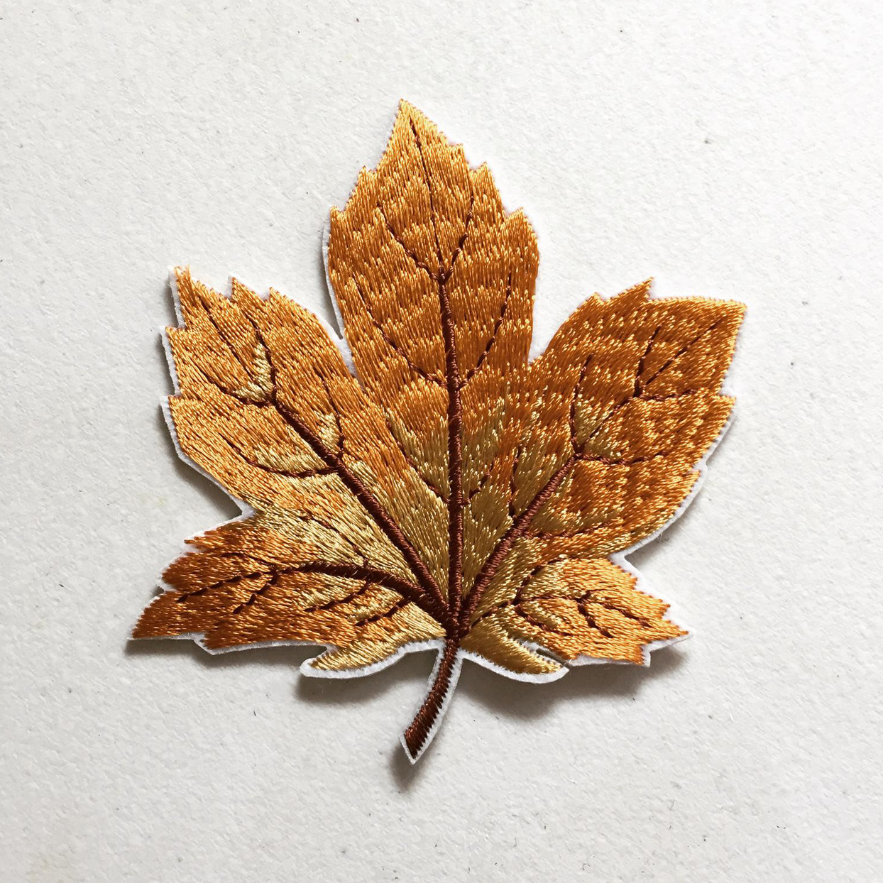 kindersticker autumn sycamore tree leaf iron-on patch