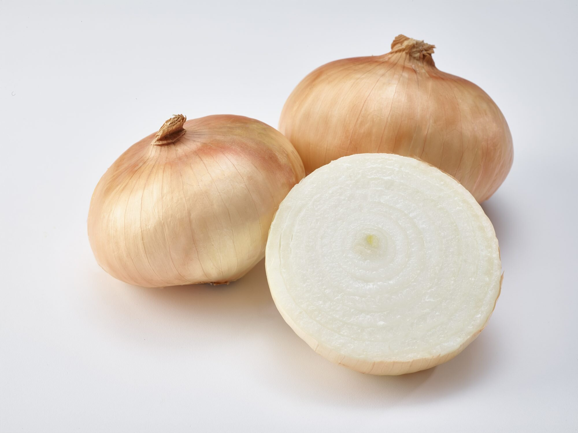 How to Reduce the Sharpness of Raw and Cooked Onions   Martha Stewart