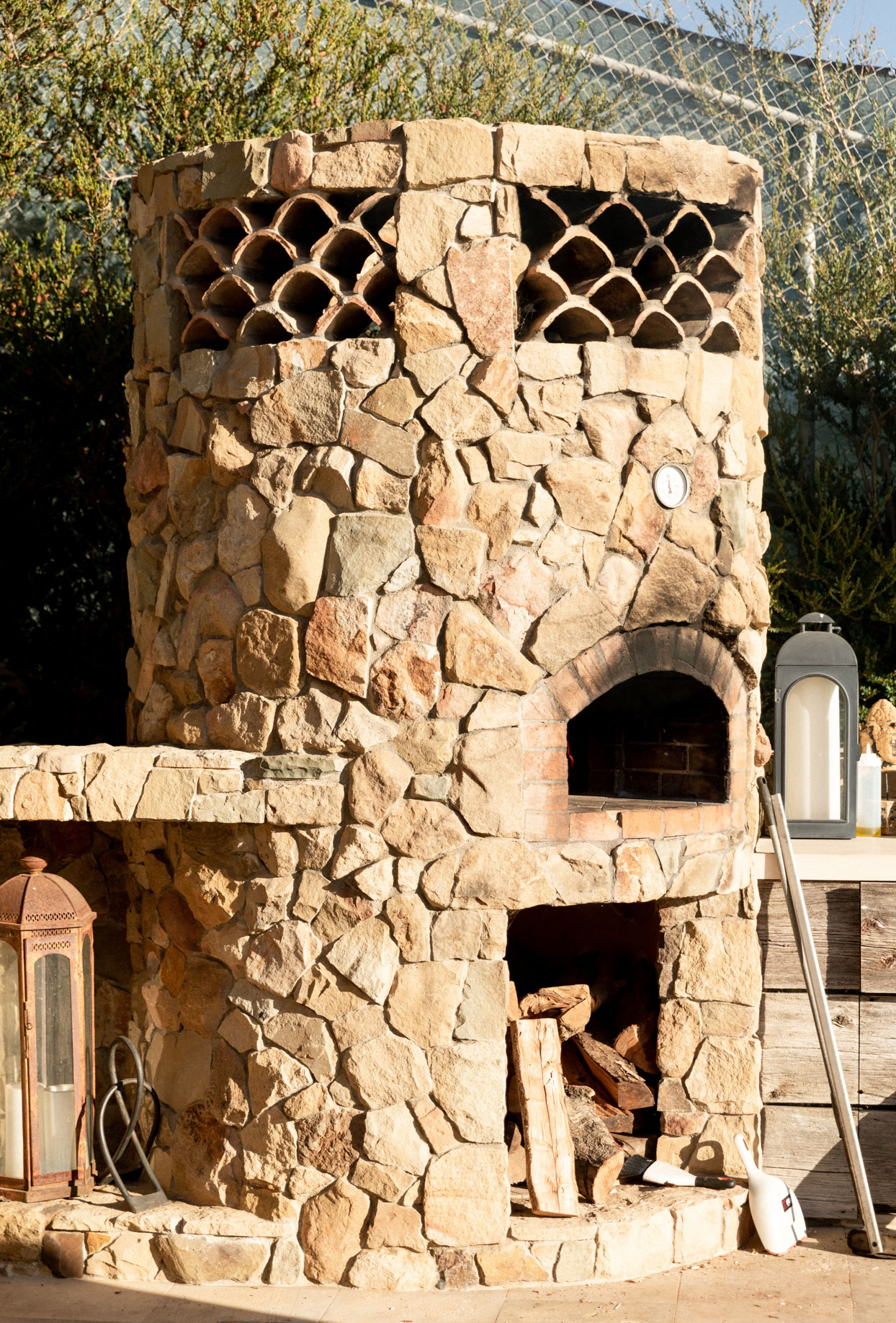 outdoor stone pizza oven