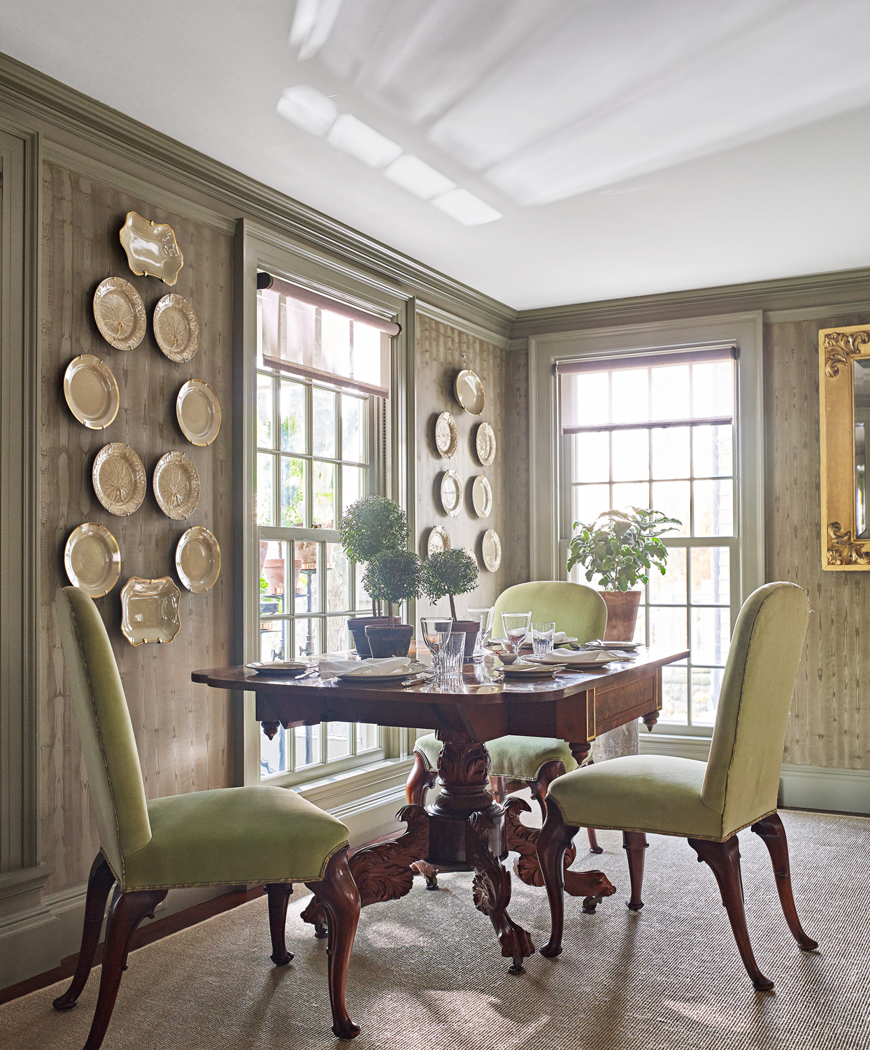 dining tables with armchair seating