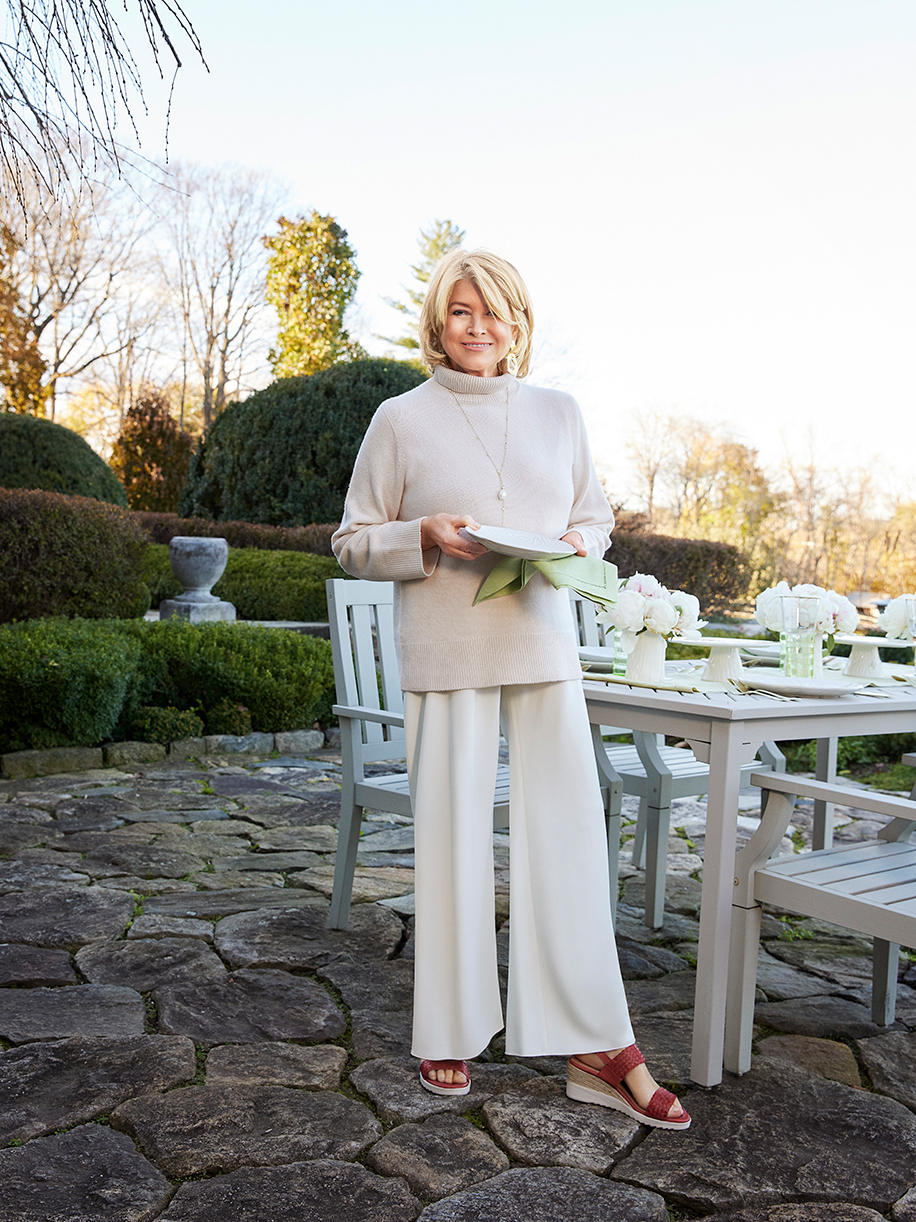 martha stewart wearing zuri sandals by easy spirit