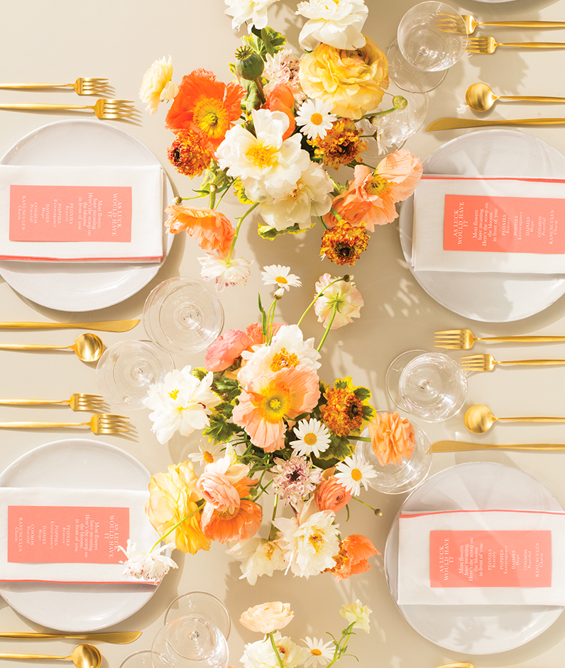 coral and gold tablesetting