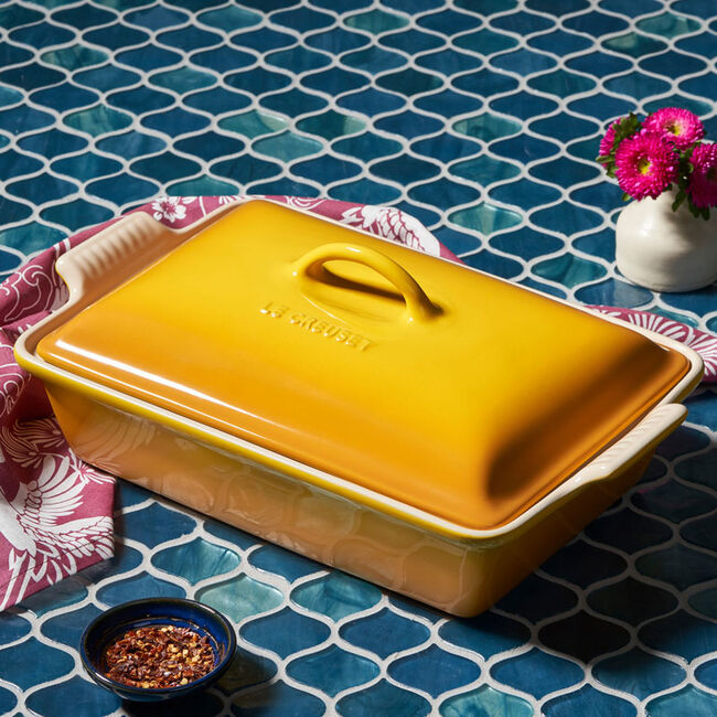le creuset casserole dish with lid
