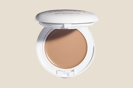 Avéne Mineral Tinted Compact SPF 50 in Beige