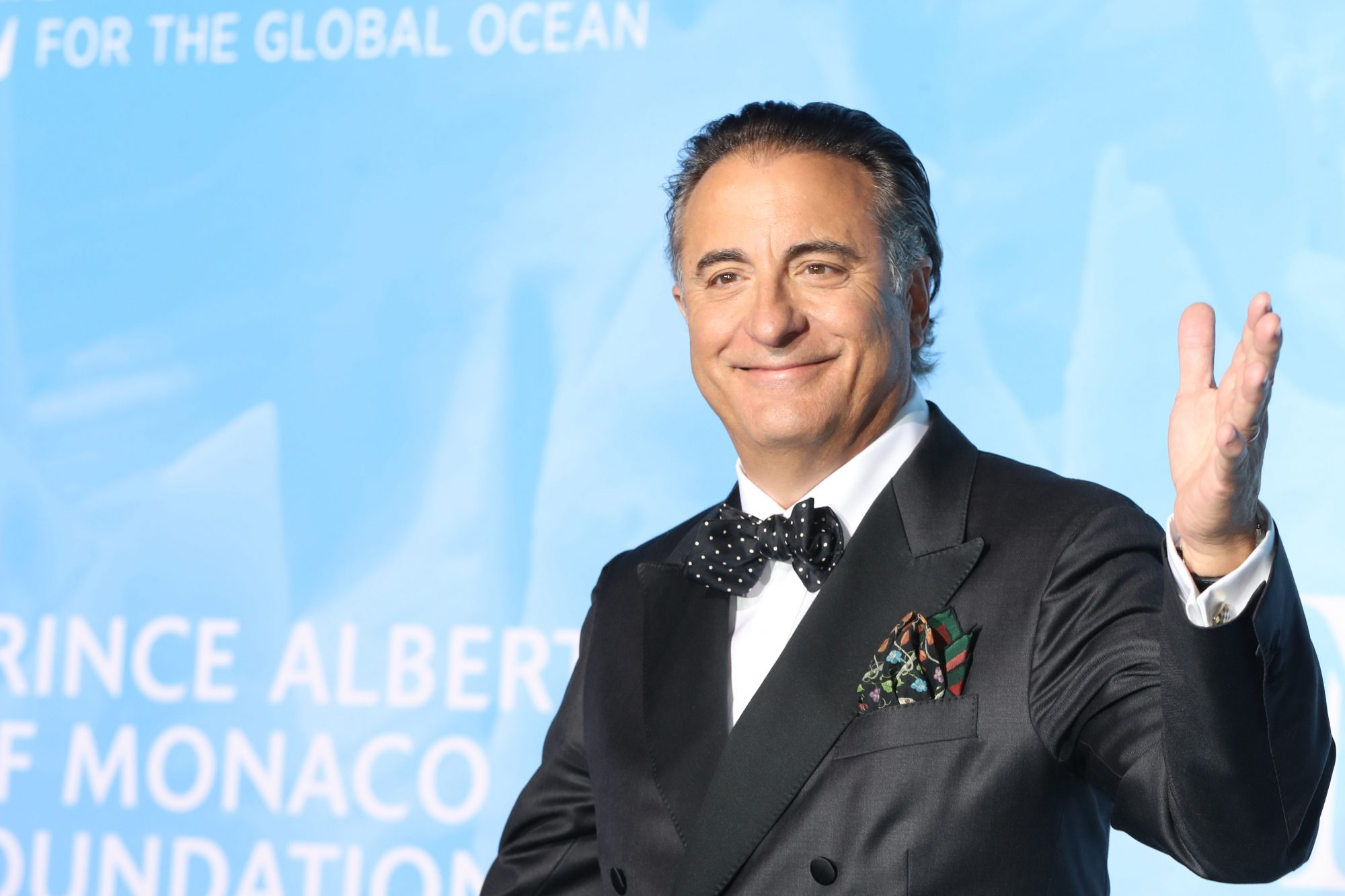 actor andy garcia waving to crowd