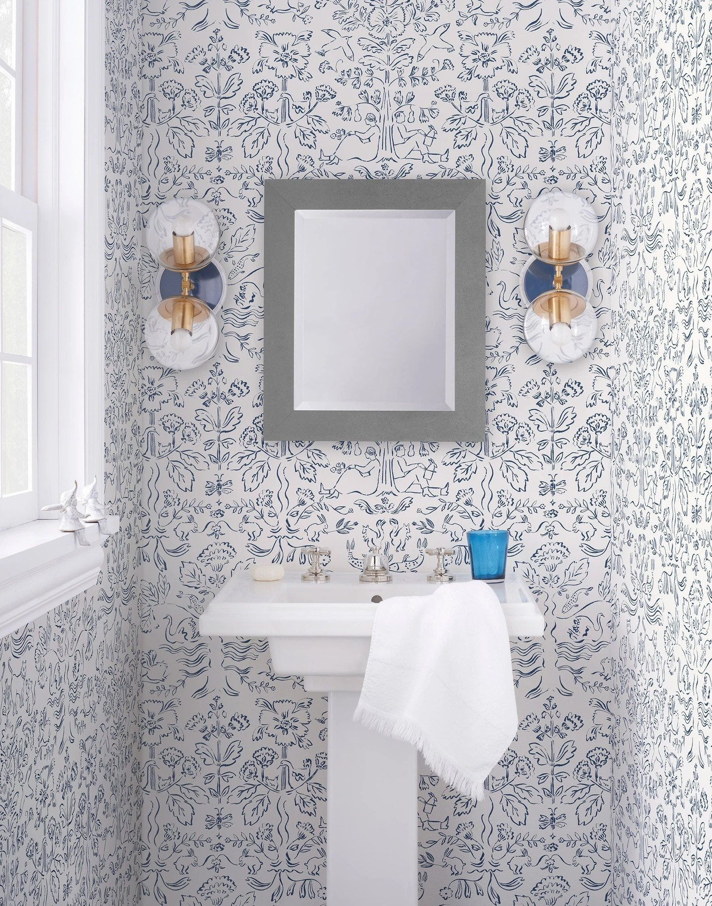 Hygge and West Storyline Wallpaper in Delft Blue