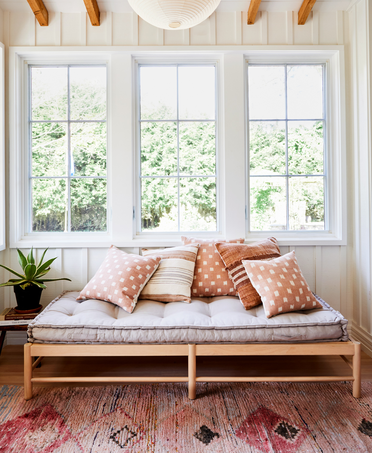 home hideaway daybed and moroccan carpet