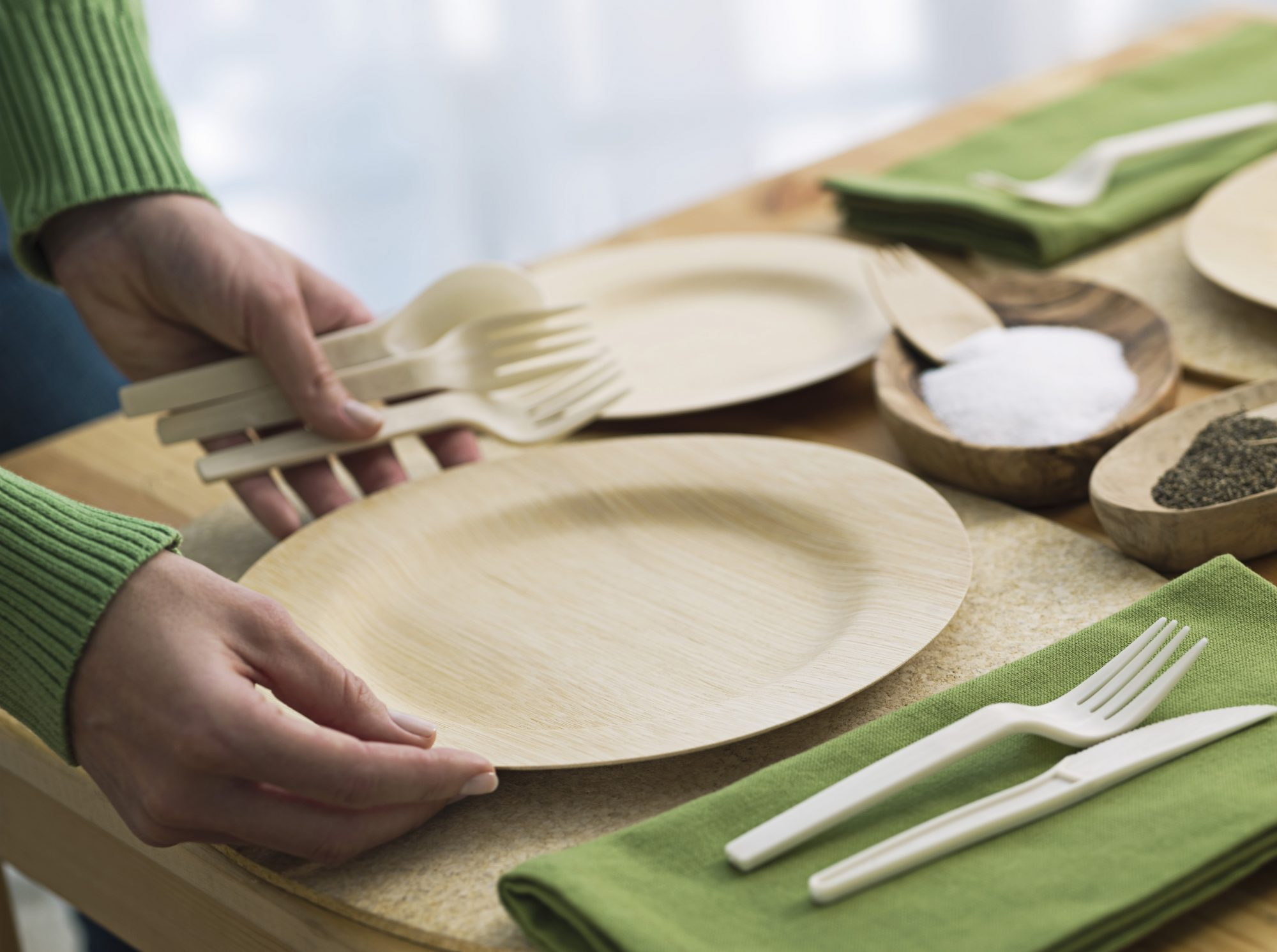 Place setting with eco-friendly tableware