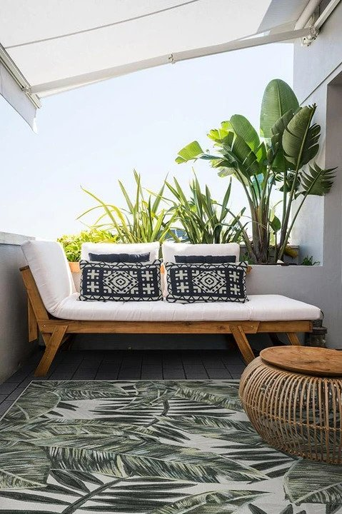 Ruggable Outdoor Outdoor Filifera Palm Green Rug
