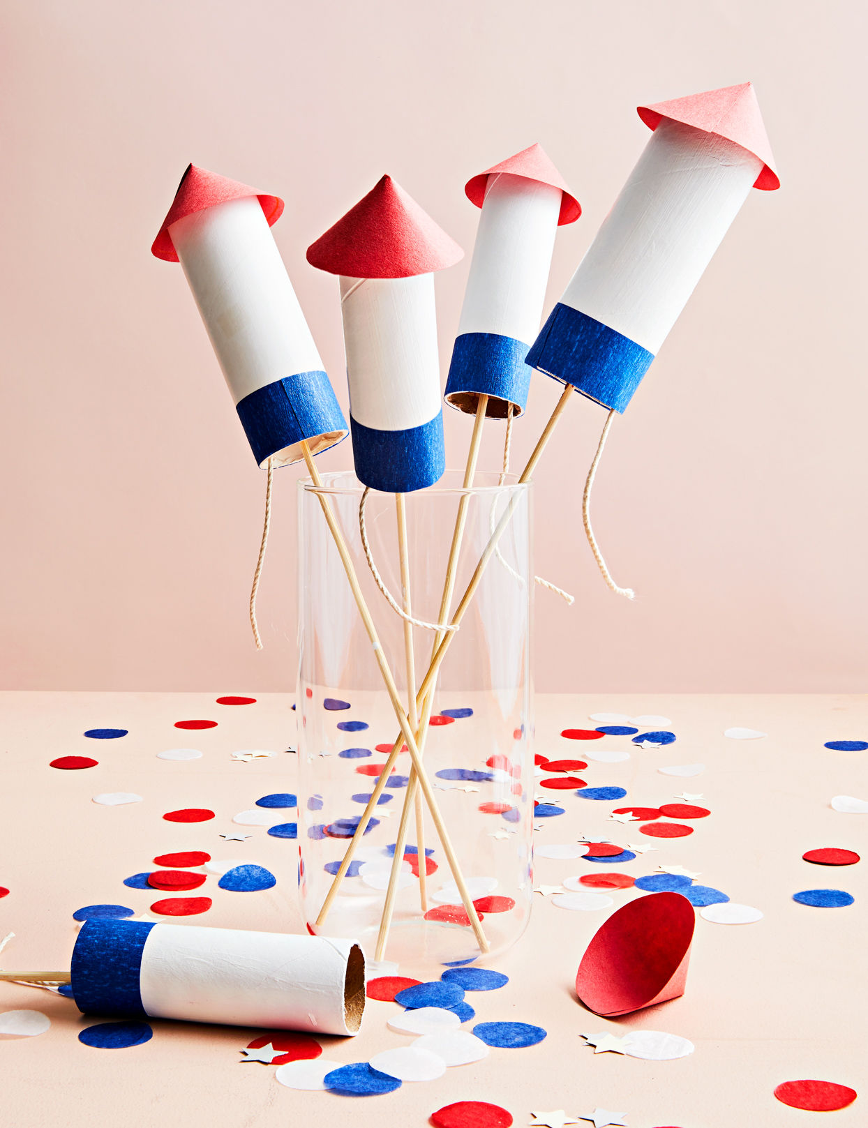 fourth of july rocket confetti poppers