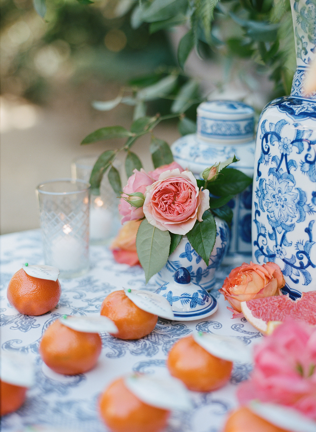 escort cards pinned to clementines