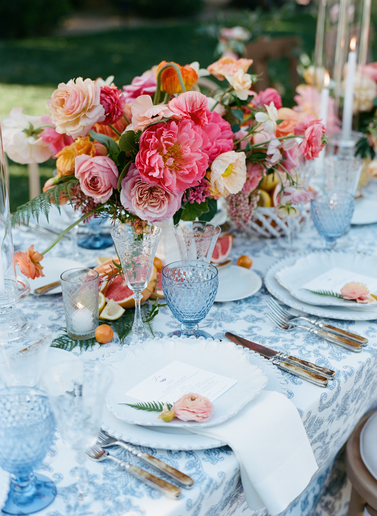 table arrangement with seating card and candles