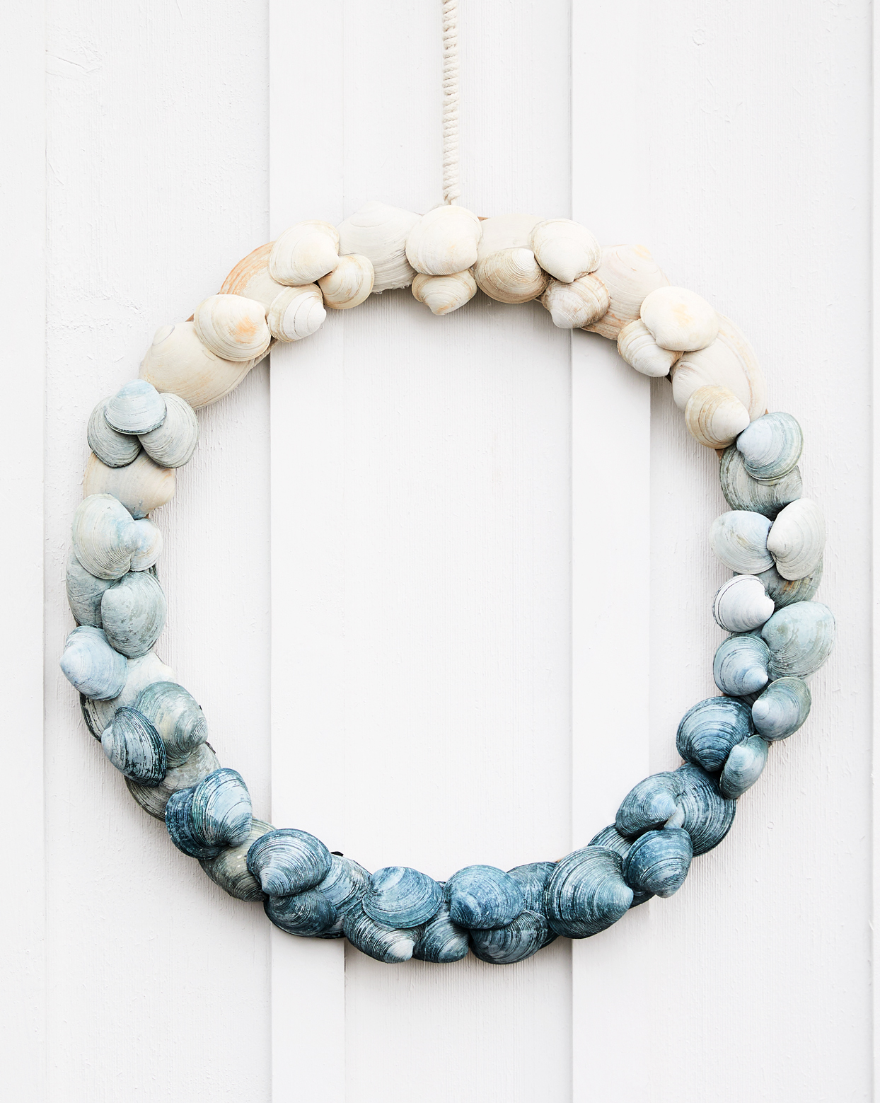 blue ombre shell wreath