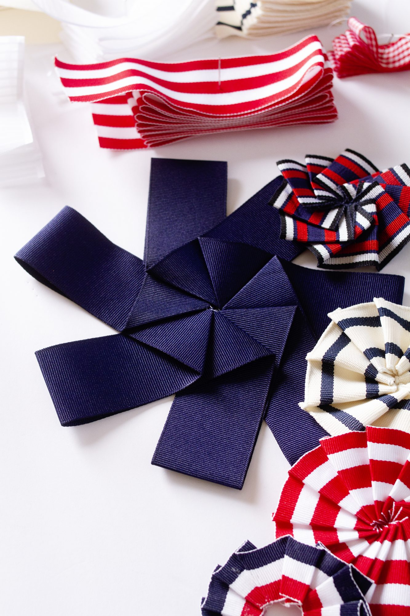 fourth of july wreath arranging ribbons