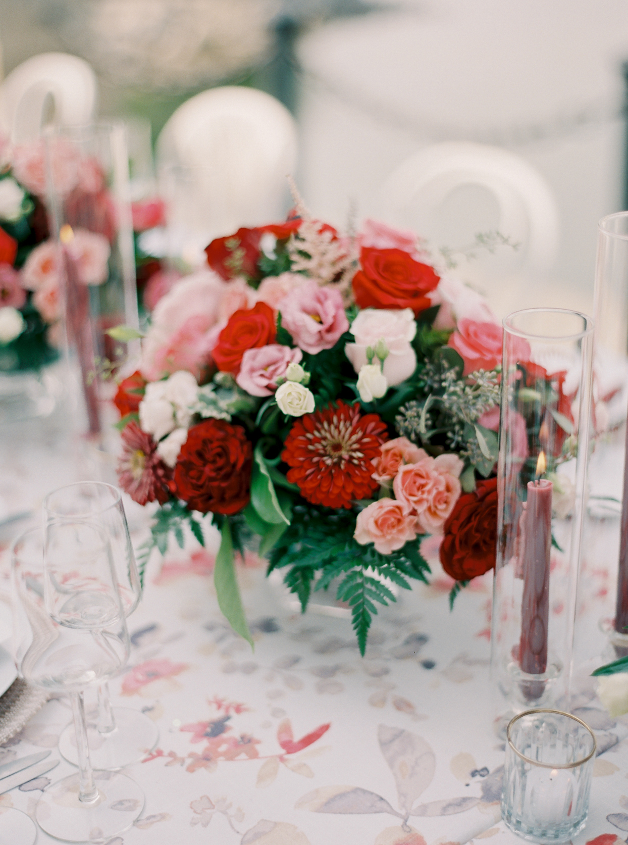 red and white floral wedding centerpieces