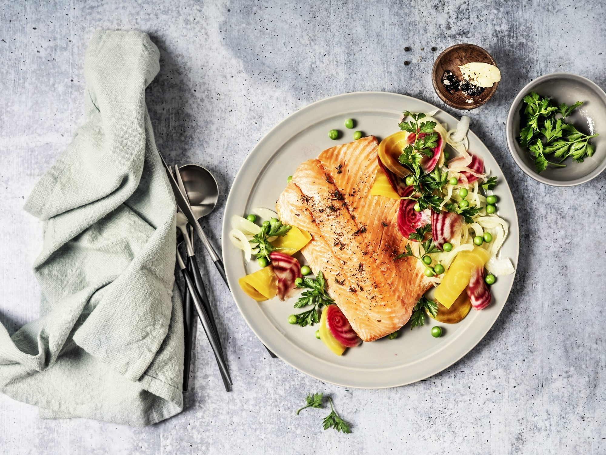 Pan fried salmon with vegetables