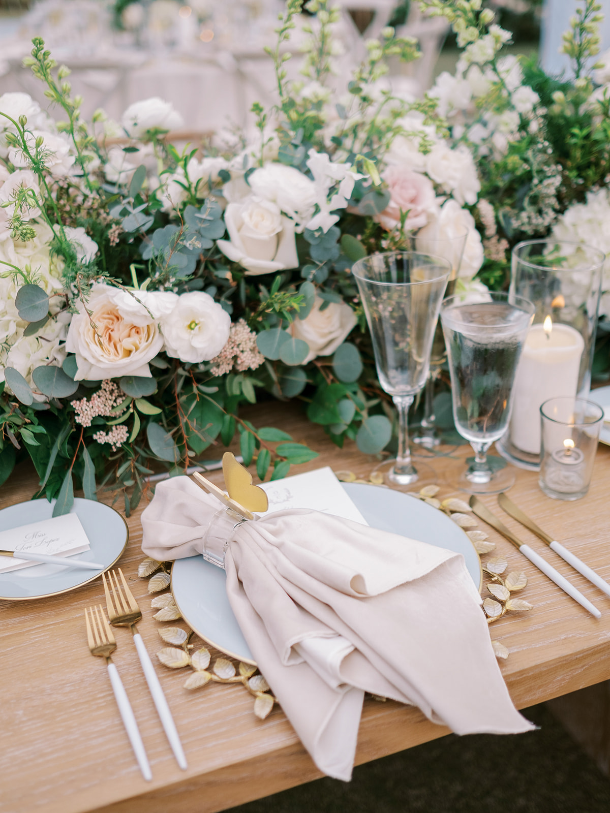 pink, white, and gold wedding place setting