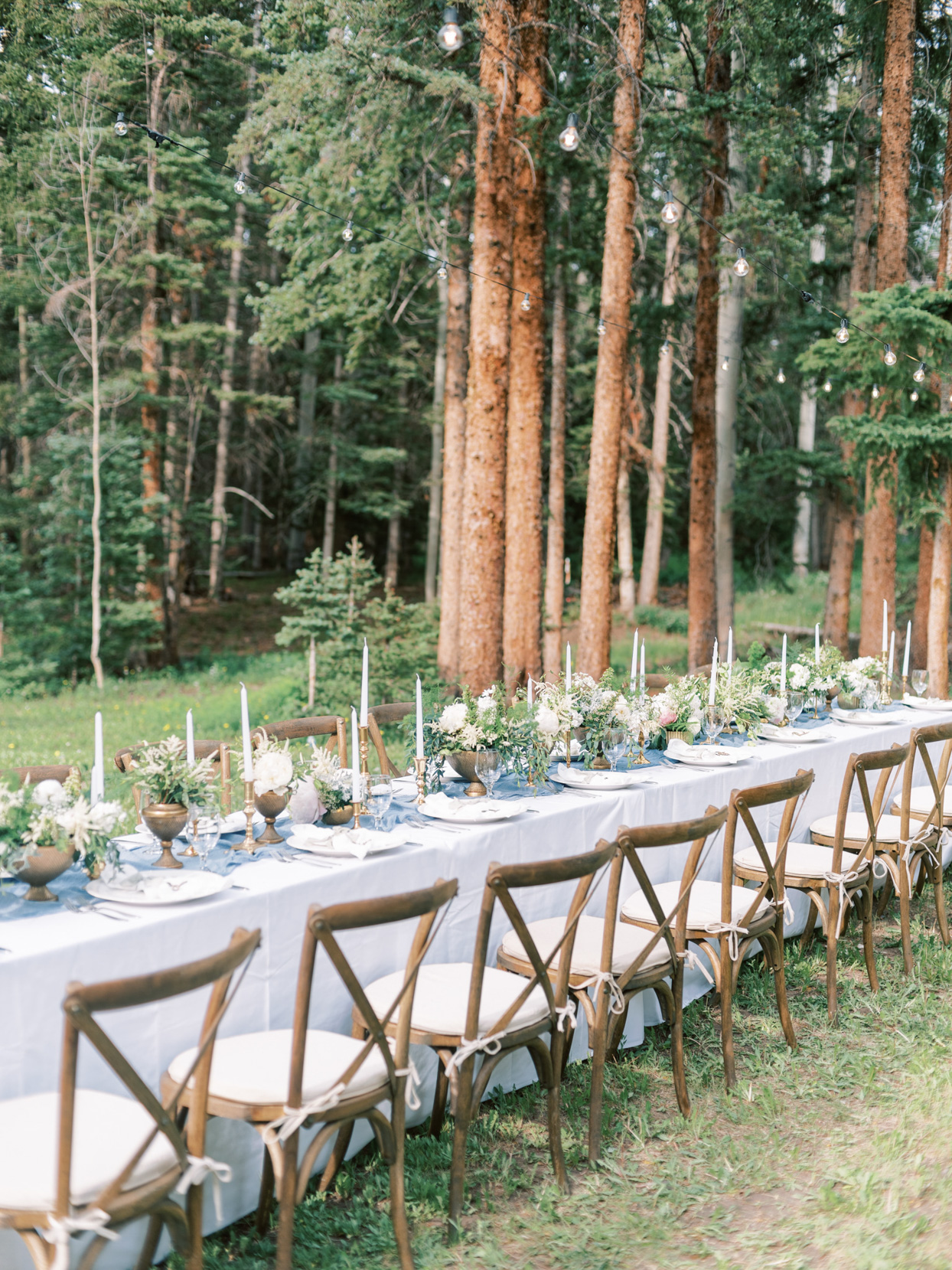 outdoor table setting for wedding