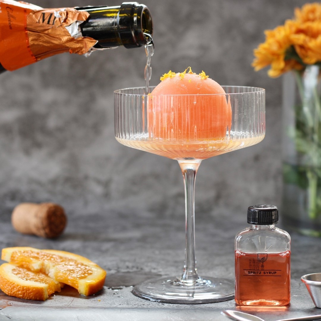 proseco cocktail bomb in coupe glasses