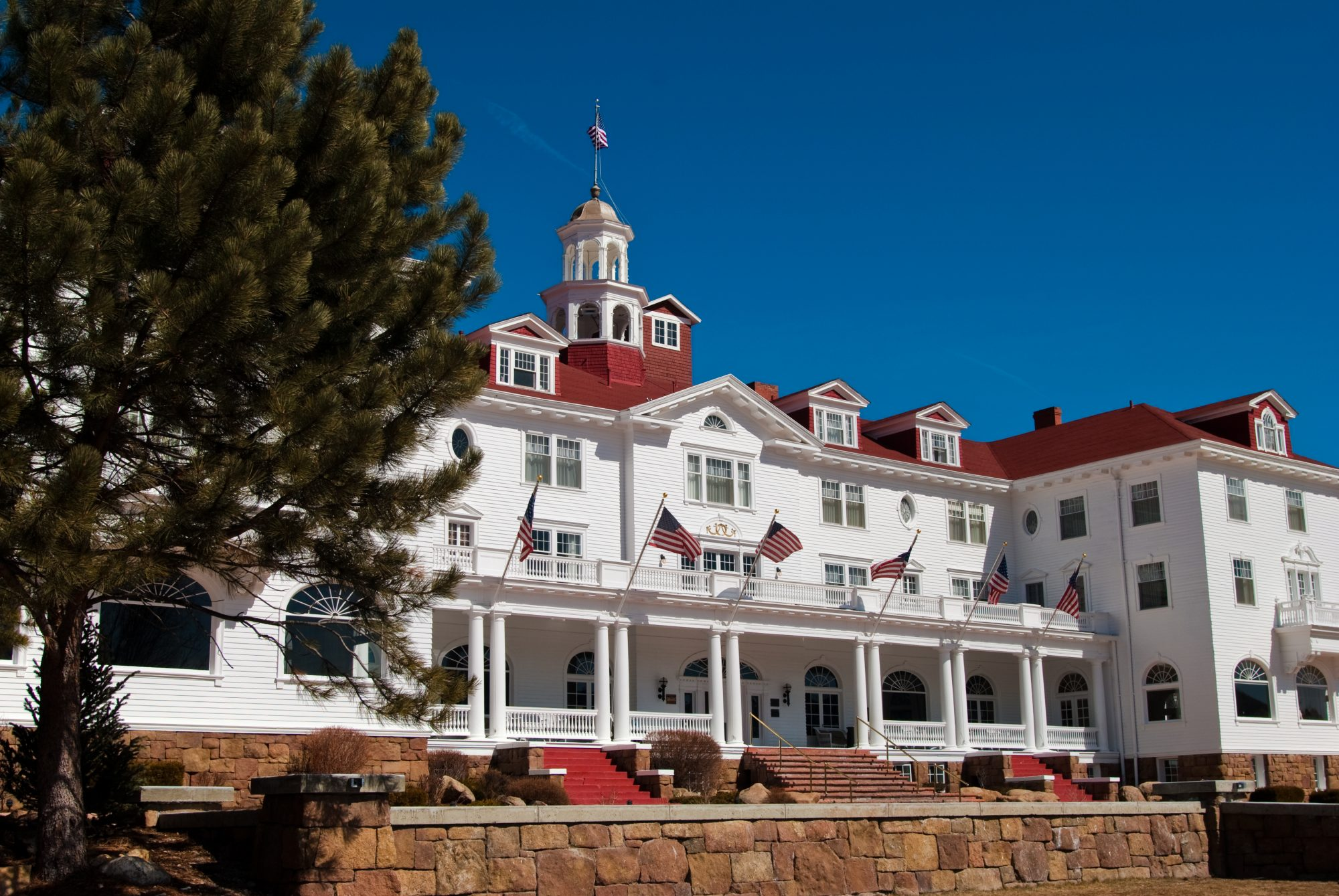 exterior view the stanley hotel