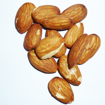 Low-Calorie Snack: Dried Fruits and Nuts