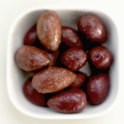 26 Calories: Olives
