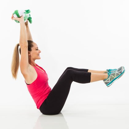 7 Towel Exercises for Amazingly-Toned Obliques