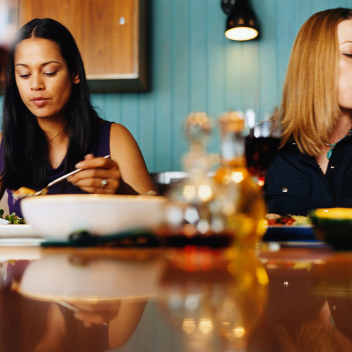 How eating at night affects weight loss