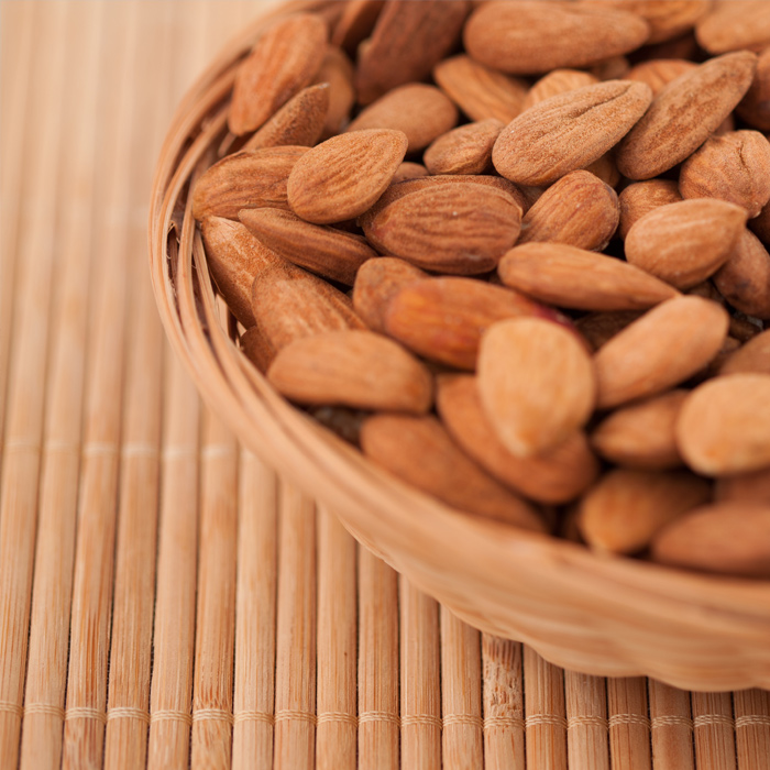 6-things-didnt-know-almonds-700_0.jpg