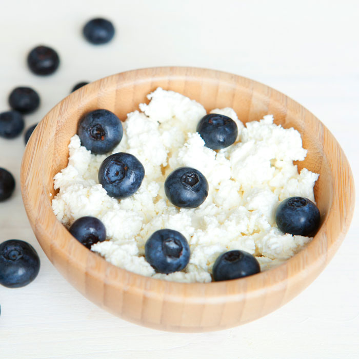 cottage-cheese-blueberries-700