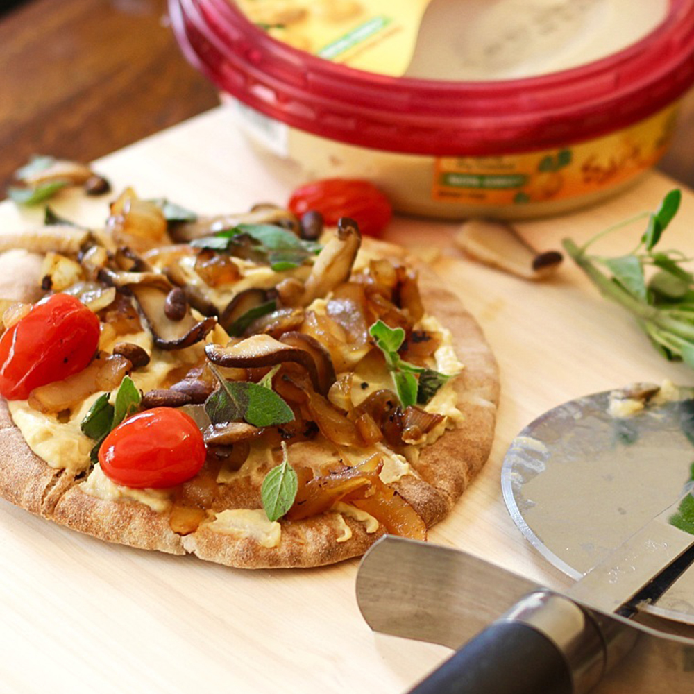 Vegan Hummus Pita Pizza