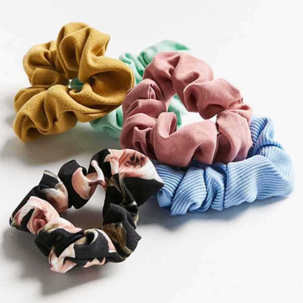 Scrunchies & Velvet: Velvet Hair Scrunchie Set