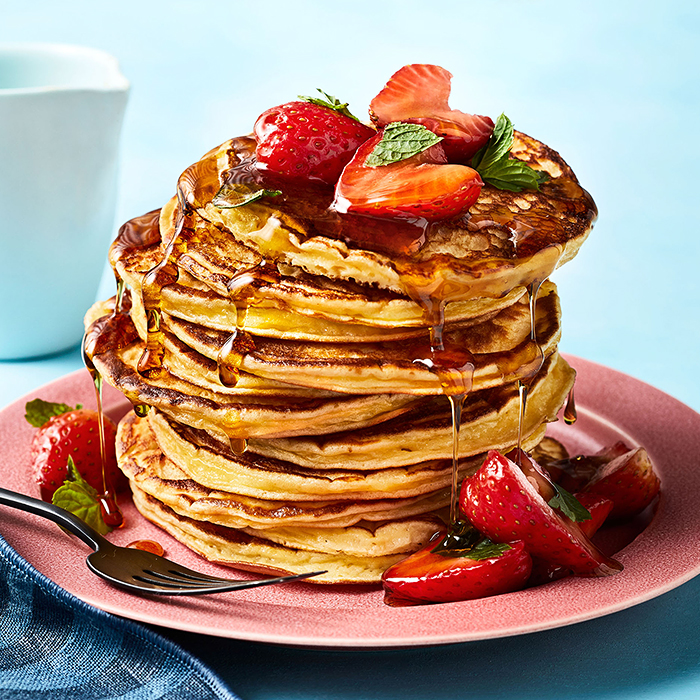 Silver Dollar Yogurt Pancakes With Strawberry-Mint Topping healthy brunch recipe