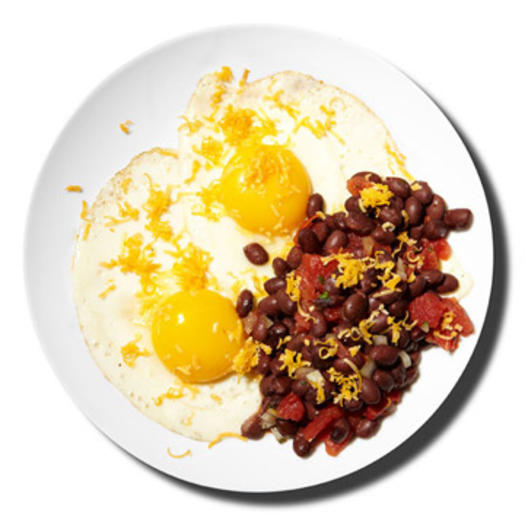 Healthy breakfast for weight loss directions:                                       	In a medium skillet coated with nonstick cooking spray, cook 2 eggs sunny-side up.                                       	Mix 1/2 cup black beans and 1/4 cup salsa.                                       	Top bean-and-salsa mixture and eggs with 2 tablespoons shredded cheddar. (Bonus: 20 Quick and Easy Ways to Cook Eggs)