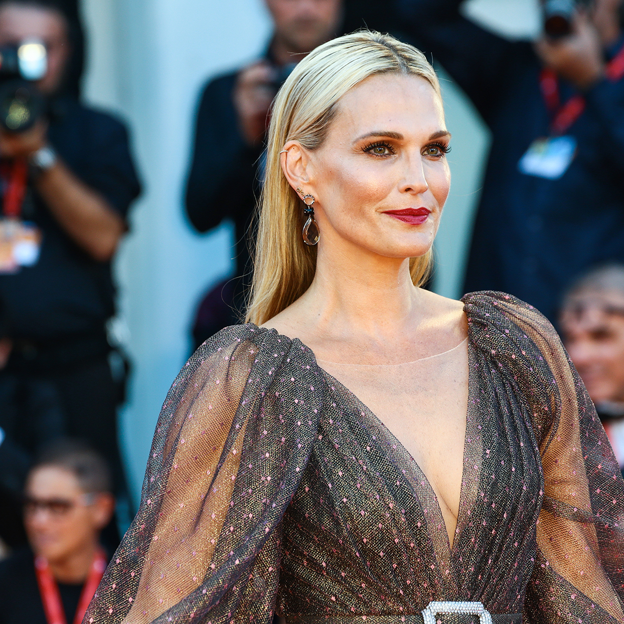 Molly Sims walks the red carpet ahead of the The Laundromat screening during the 76th Venice Film Festival at Sala Grande on September 01, 2019 in Venice, Italy.