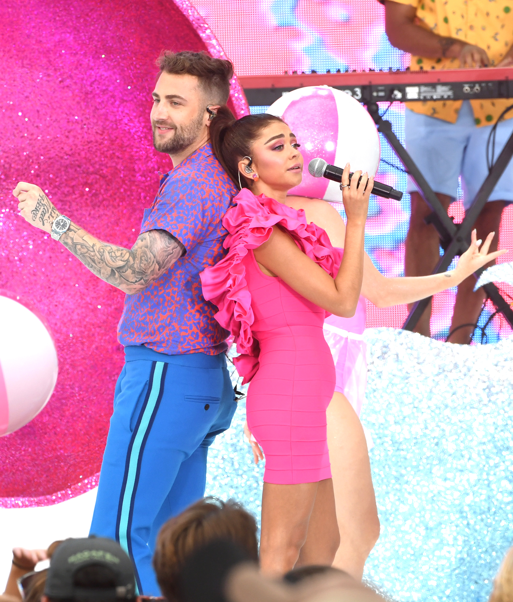 ordan McGraw and Sarah Hyland perform onstage during FOX's Teen Choice Awards 2019 on August 11, 2019 in Hermosa Beach