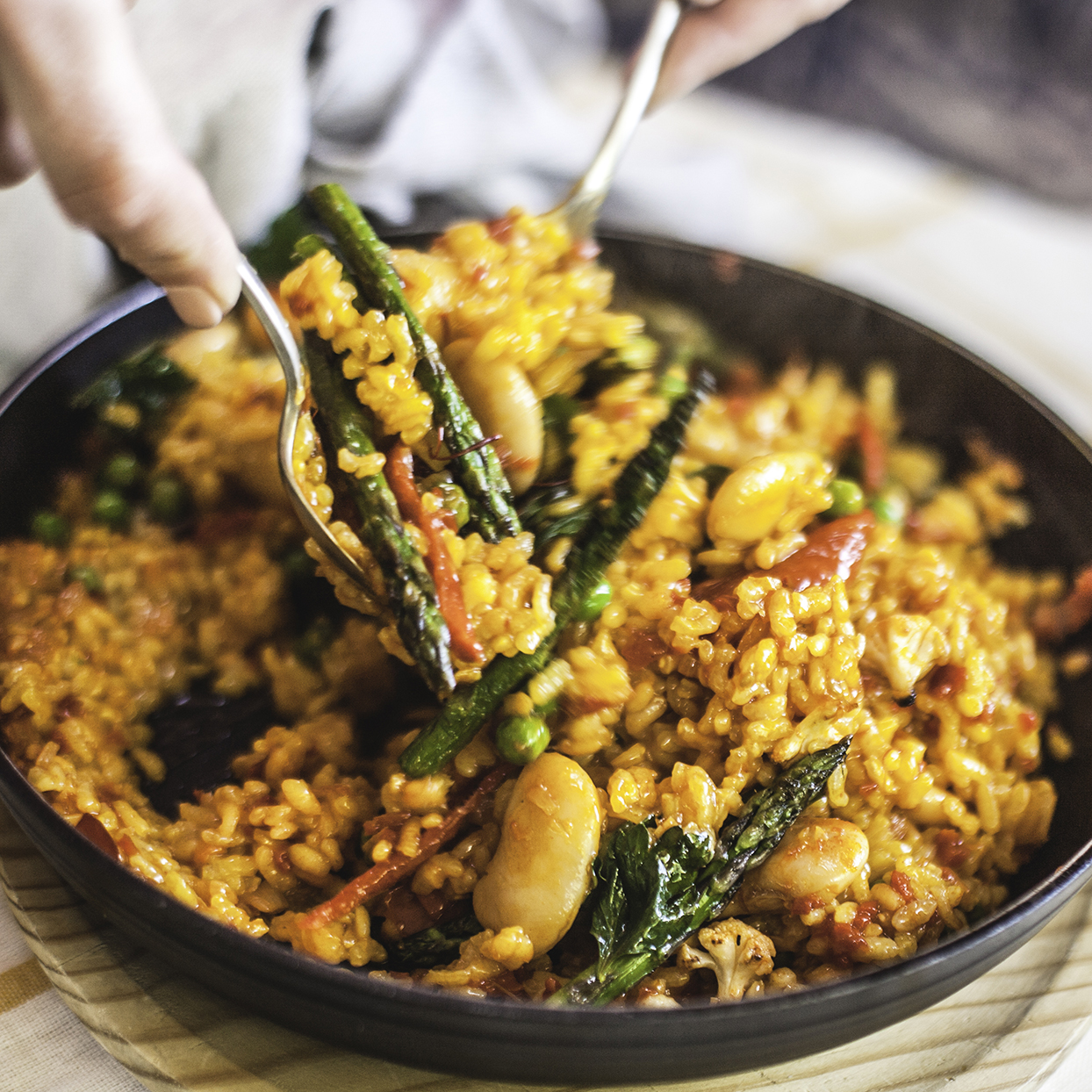 This delicious Spanish dish is full of rice, vegetables, and seafood. Its calorie count depends on how it is prepared. Many restaurants use a lot of oil in the cooking process, resulting in more than 500 calories per 1-cup serving. For a lighter version, try this brown rice paella recipe.