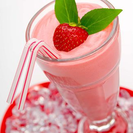 Post_Workout_Protein_Smoothie_With_Strawberries