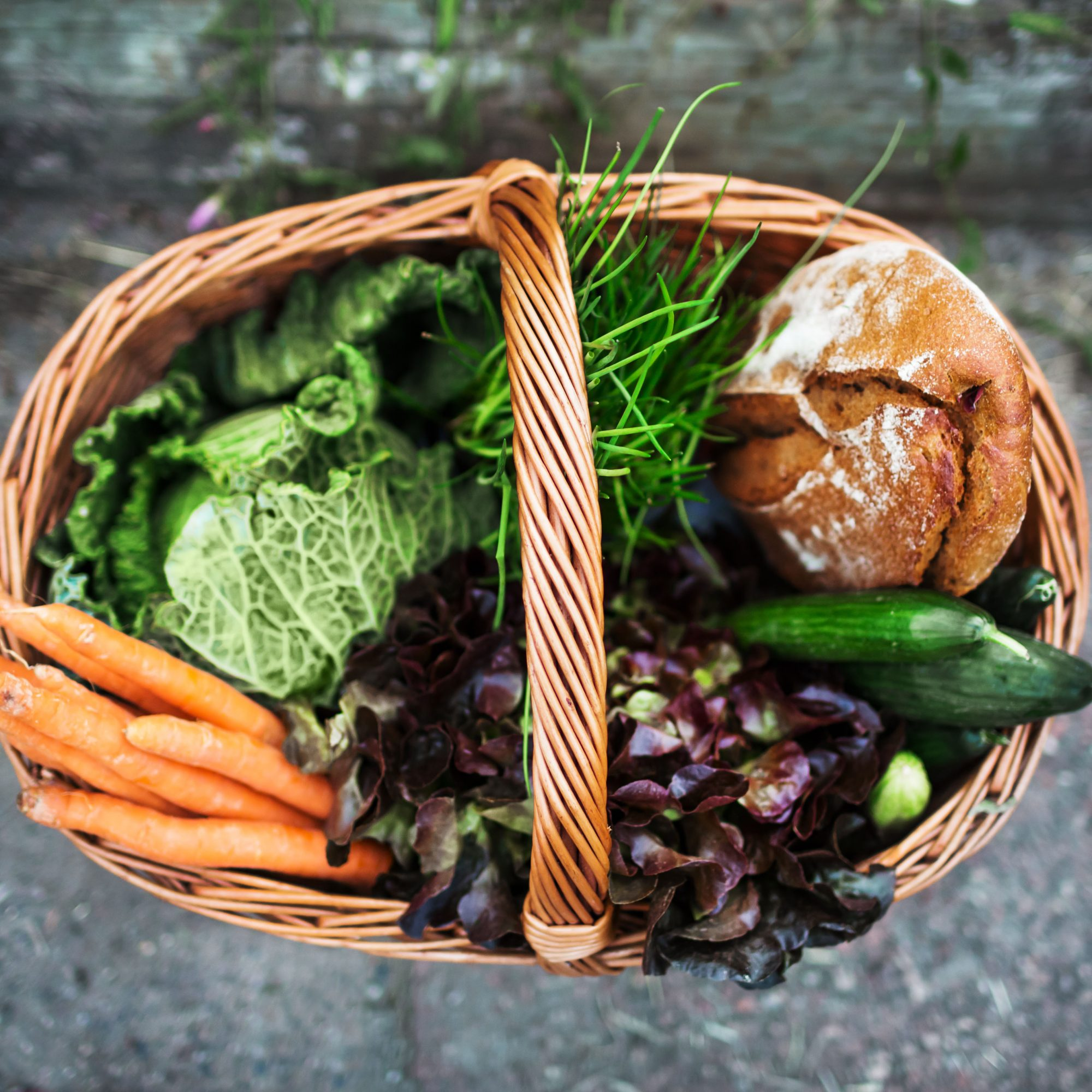 Basket_Of_Fresh_Produce_And_Bread