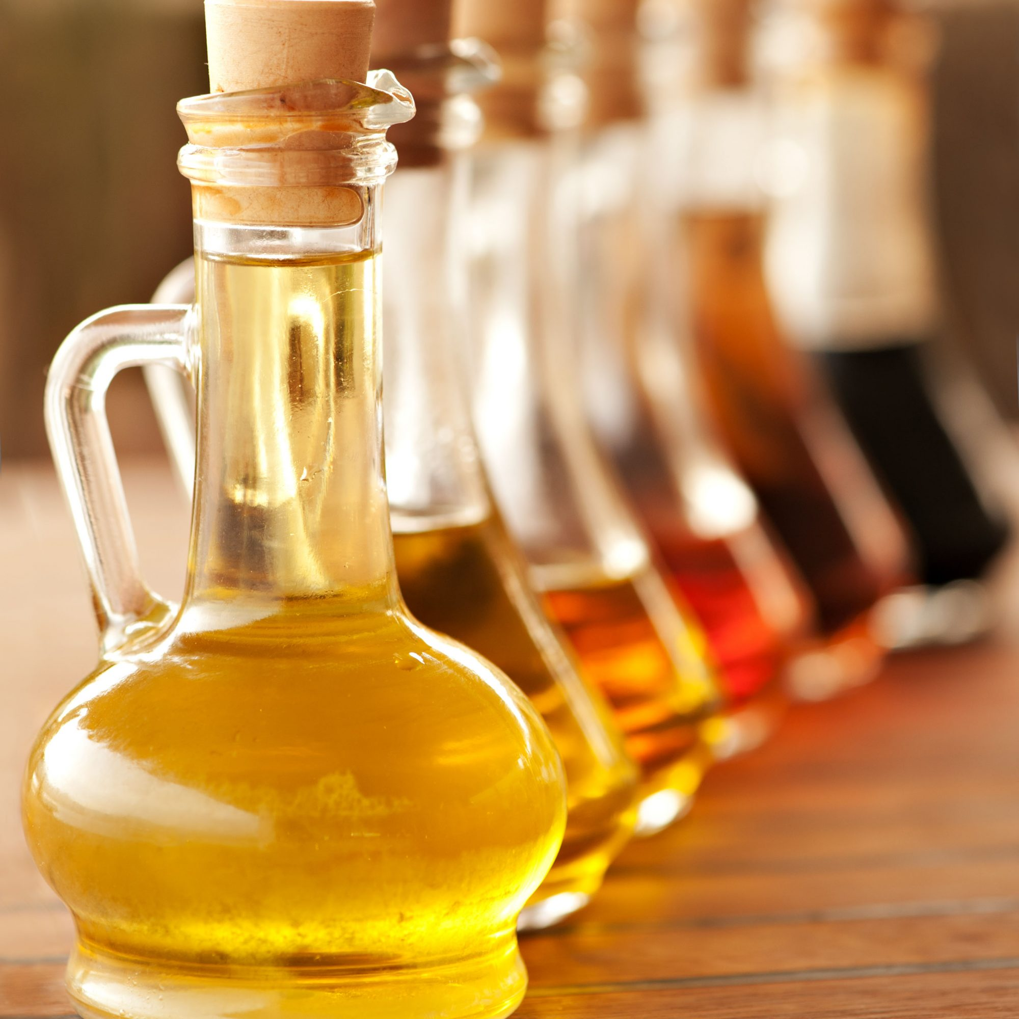 Olive_Oil_And_Vinegar_Bottles_On_A_Table