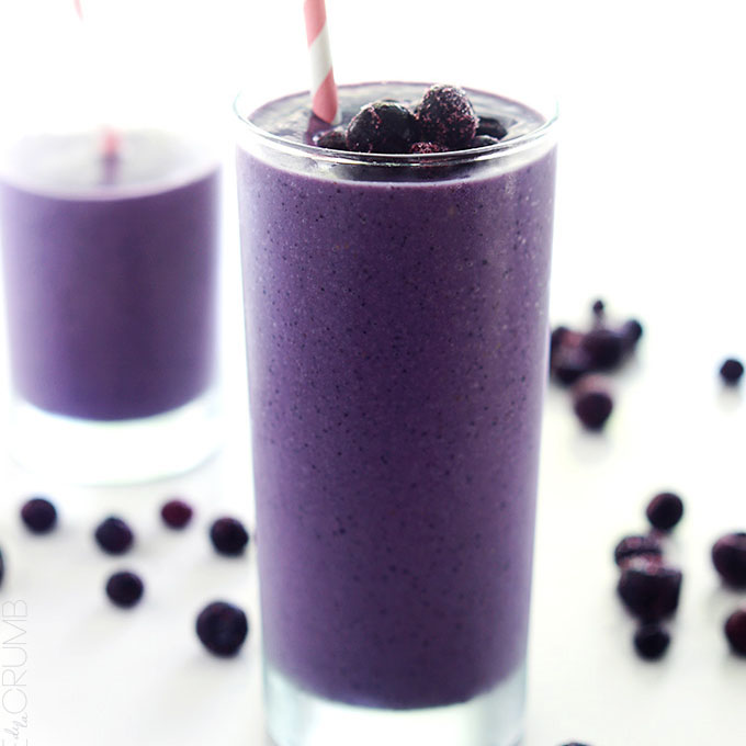 Blueberry_Avocado_Smoothie_Topped_With_Whole_Blueberries