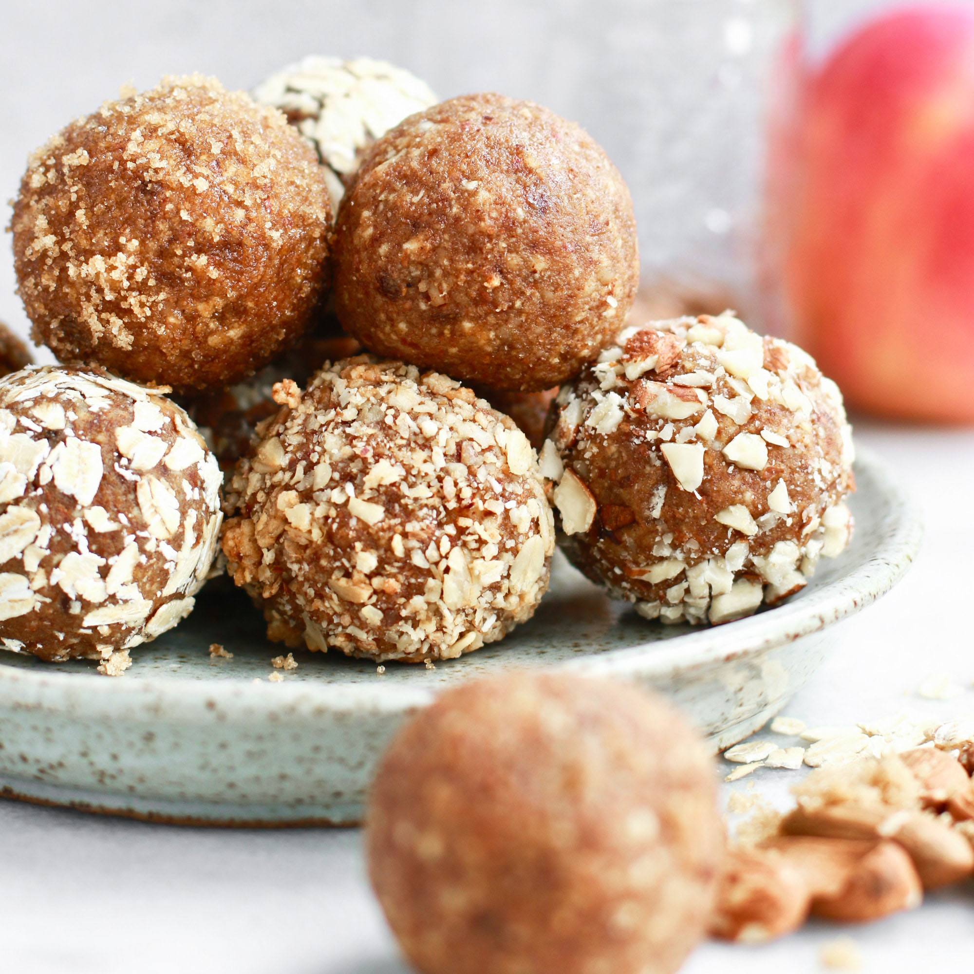 No_Bake_Apple_Almond_Butter_Energy_Bites