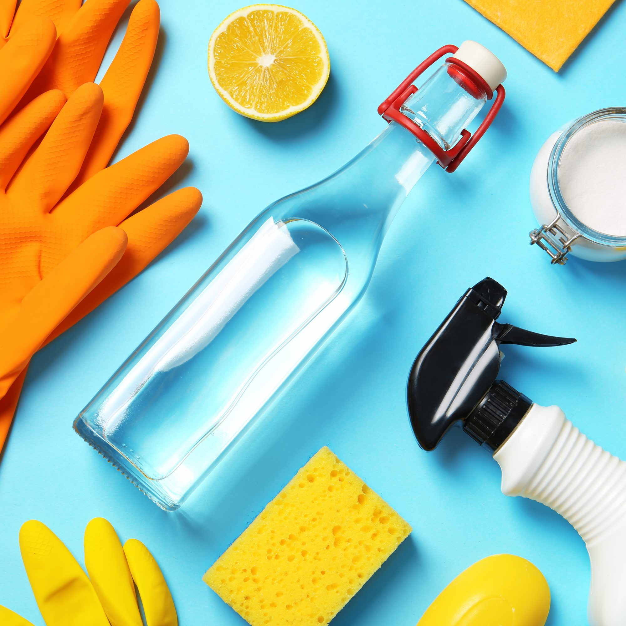 Flat_Lay_of_Natural_Cleaning_Products_and_Supplies