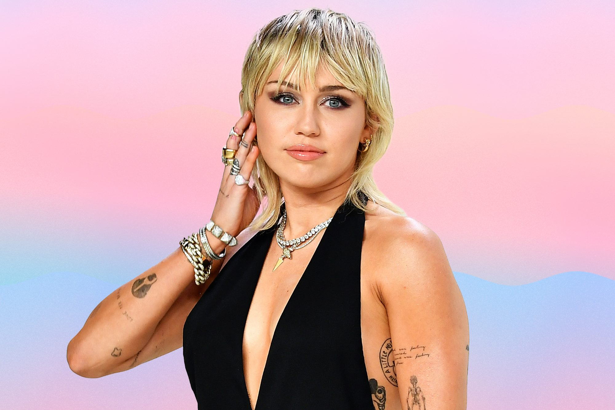 Miley-Cyrus-Felt-a-Panic-Attack-Coming-On-During-A-Concert-So-She-Talked-About-It-With-The-Audience-GettyImages-1204740232