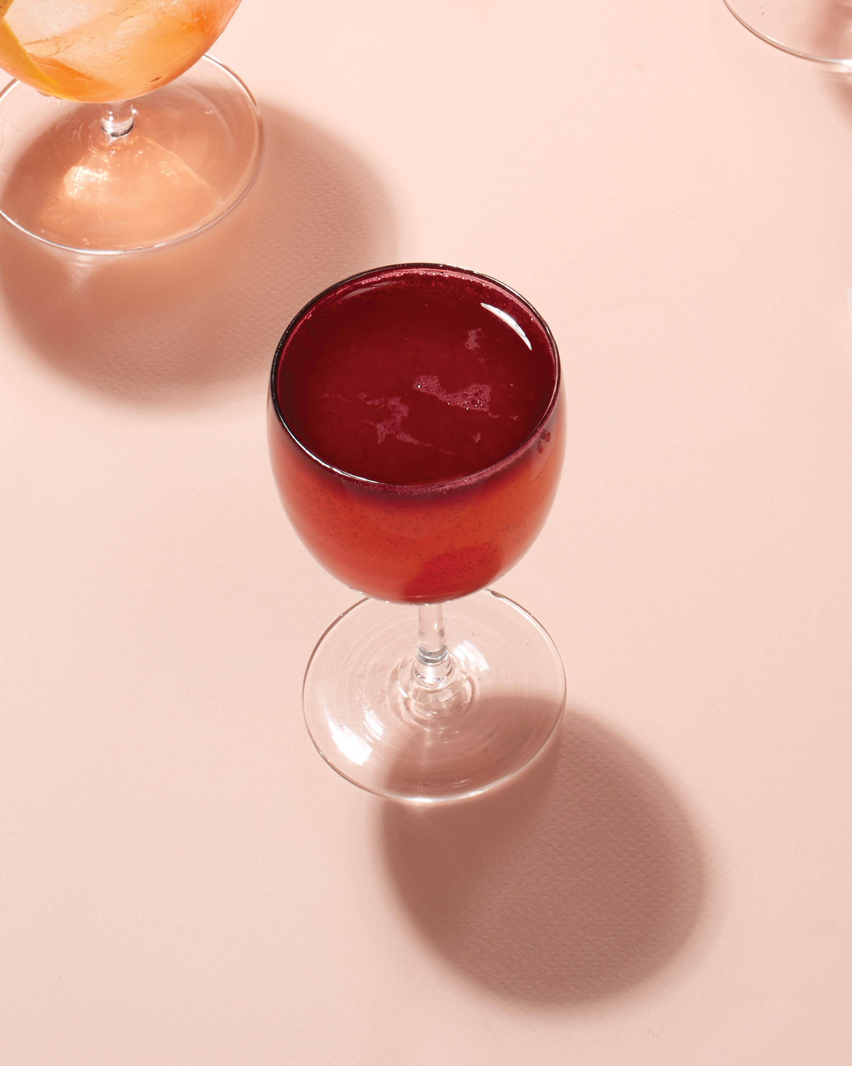 blush-berry-cocktails-new-york-sours-red-drink-047-d113029.jpg