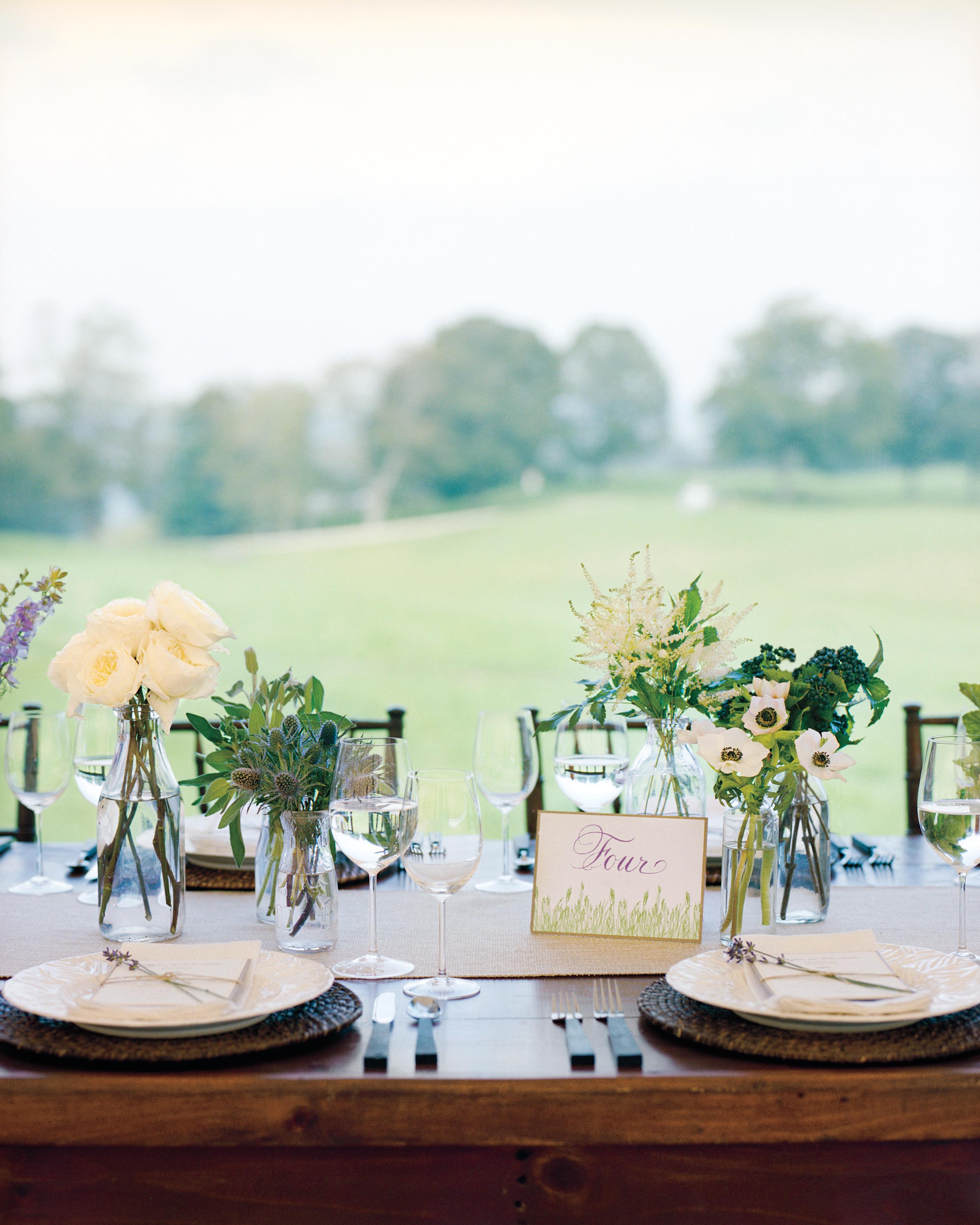 table-mwd107926.jpg