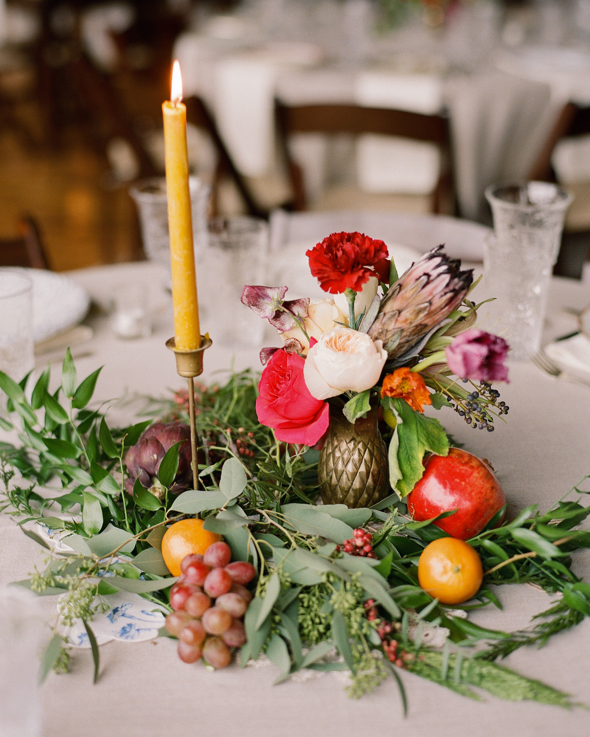 sidney-dane-wedding-centerpiece-289-s112109-0815.jpg