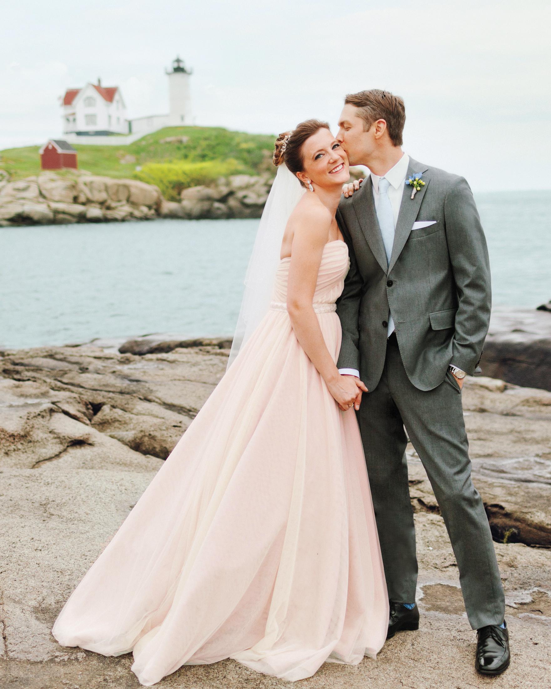A Romantic Pink And Gold Diy Wedding In Maine Martha Stewart