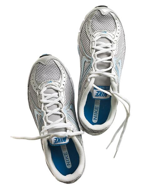 mbd105089_1109_sneakers2.jpg