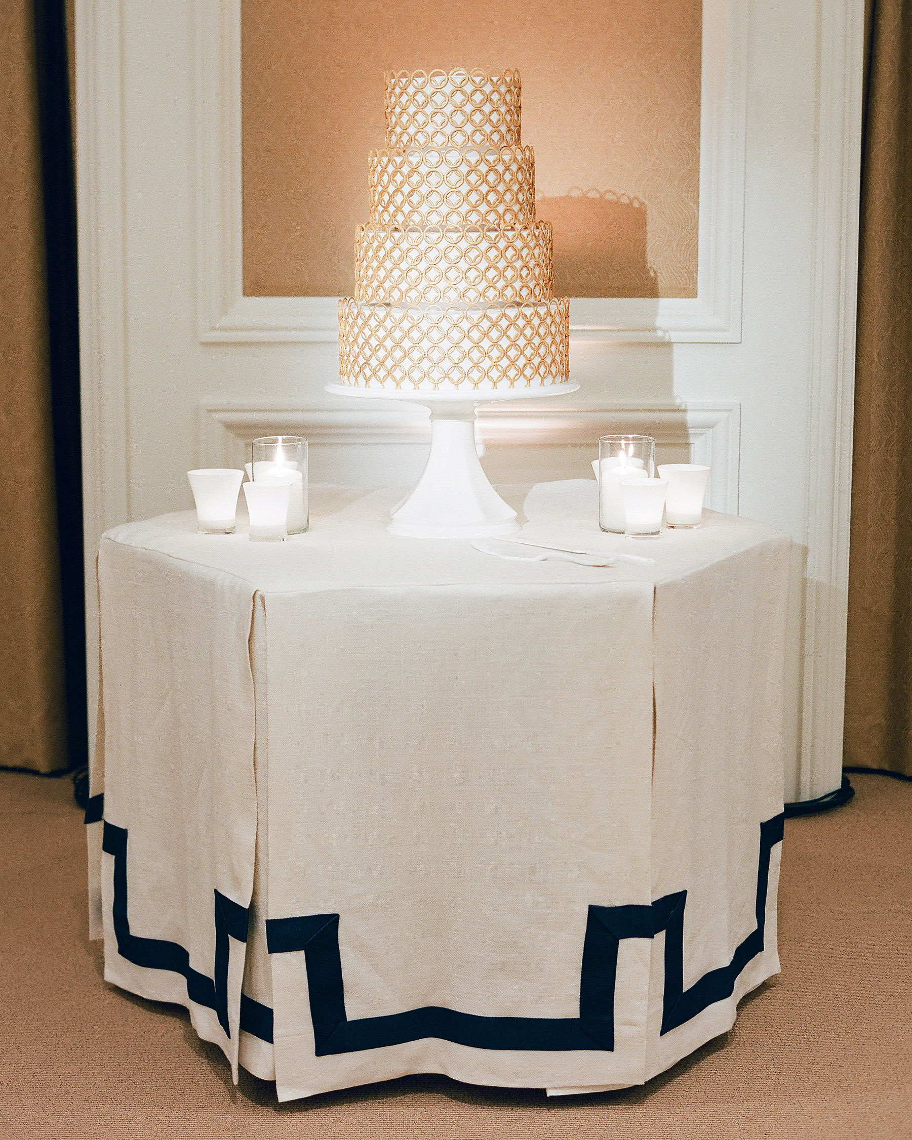 tali-mike-wedding-california-cake-58950005-s112346.jpg